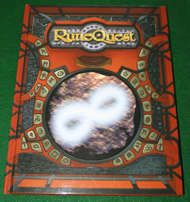 Foto reseña RuneQuest de Mongoose